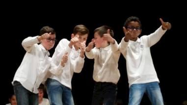 Alle primarie Bonfigli i bambini imparano l'inglese...recitando 6