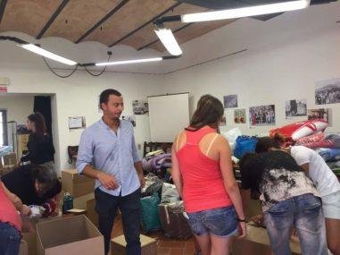 Terremoto, solidarietà da tutta Italia: a Corciano la raccolta va avanti per tutta la giornata