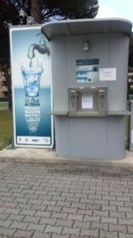 """""""Chiuso per rapina"""": scassinato il distributore d'acqua di San Mariano 1"""