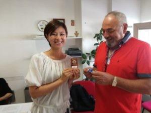 """La blogger giapponese Eriko Kurashita visita il Centro socioculturale """"A.Cardinali"""" di Ellera 1"""