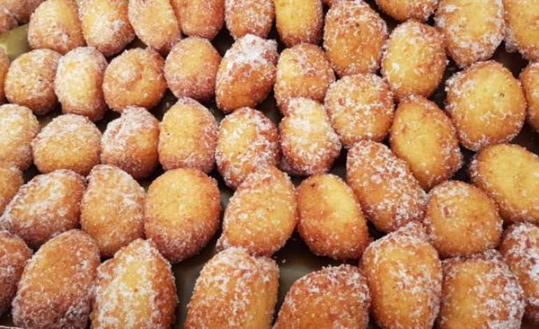 7000 frittelle a Colle Umberto, tanta gente in allegria: la fotogallery