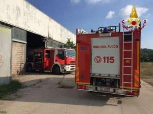 ac556aa 0 300x225 - Incendio ad Ellera in uno stabilimento abbandonato