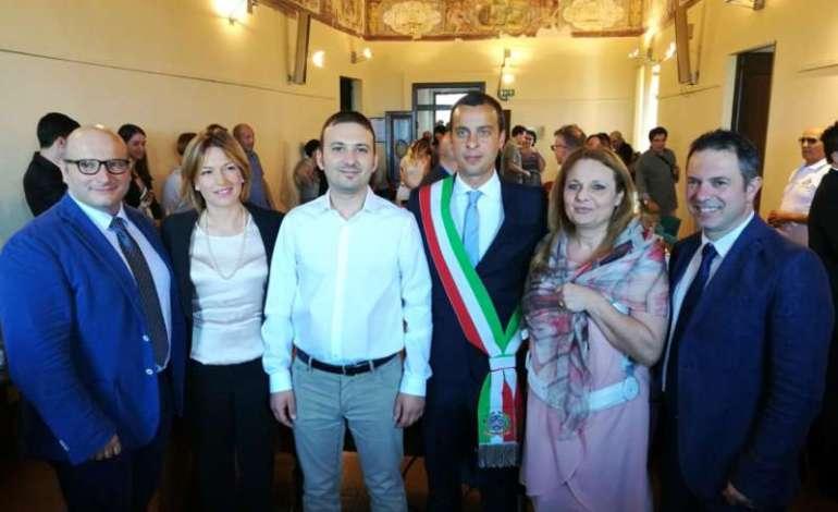 La Giunta comunale: Andrea Braconi, Marta Custodi, Lorenzo Pierotti, Cristian Betti, Elisabetta Ceccarelli e Francesco Mangano