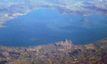 Chiodini nuovo presidente dell'Unione Comuni Trasimeno, Betti si congratula e guarda al Lago