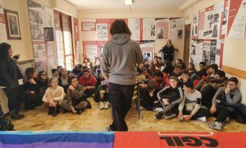 Cento studenti in visita alla mostra organizzata da ANPI sulle leggi razziali