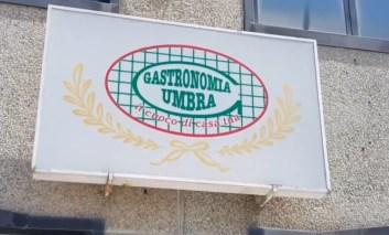 """Gastronomia Umbra, l'azienda replica dopo le polemiche sui licenziamenti: """"Scelta legittima"""""""