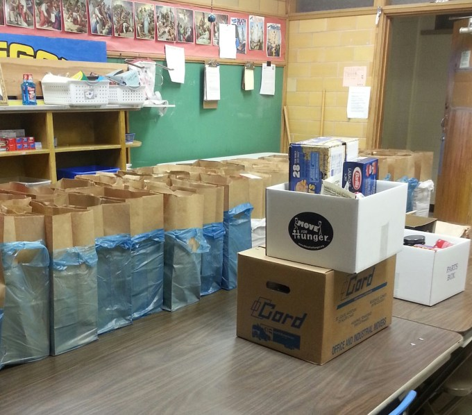 Cord Helps Food Bank Move for Hunger