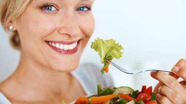 Woman eating a health diet