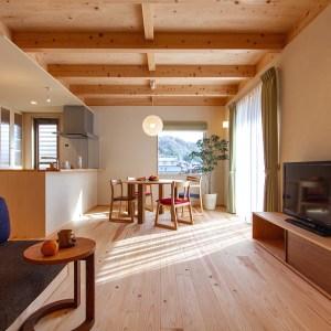 過度な装飾は避け、住まい手の暮らしで仕上げる誰もが住みやすい家