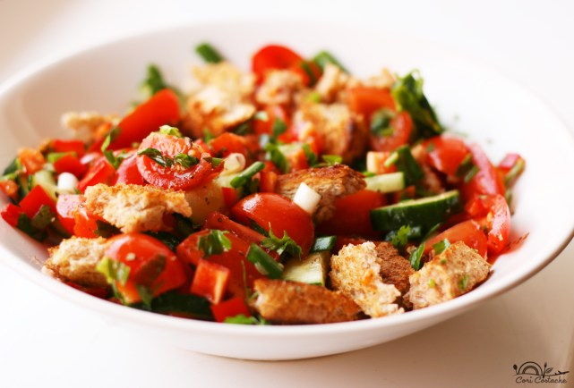 Juicy Panzanella - Tuscan Tomato & Bread Salad