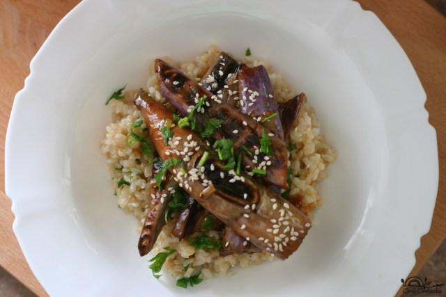 vinete-chinezesti-in-sos-de-soia-si-orez-brun