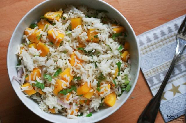 salata de orez cu mango si coriandru