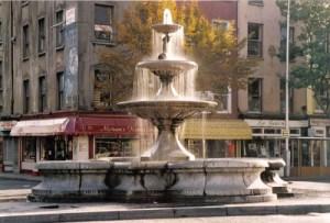 Berwick_Fountain_1980s_OSullivan