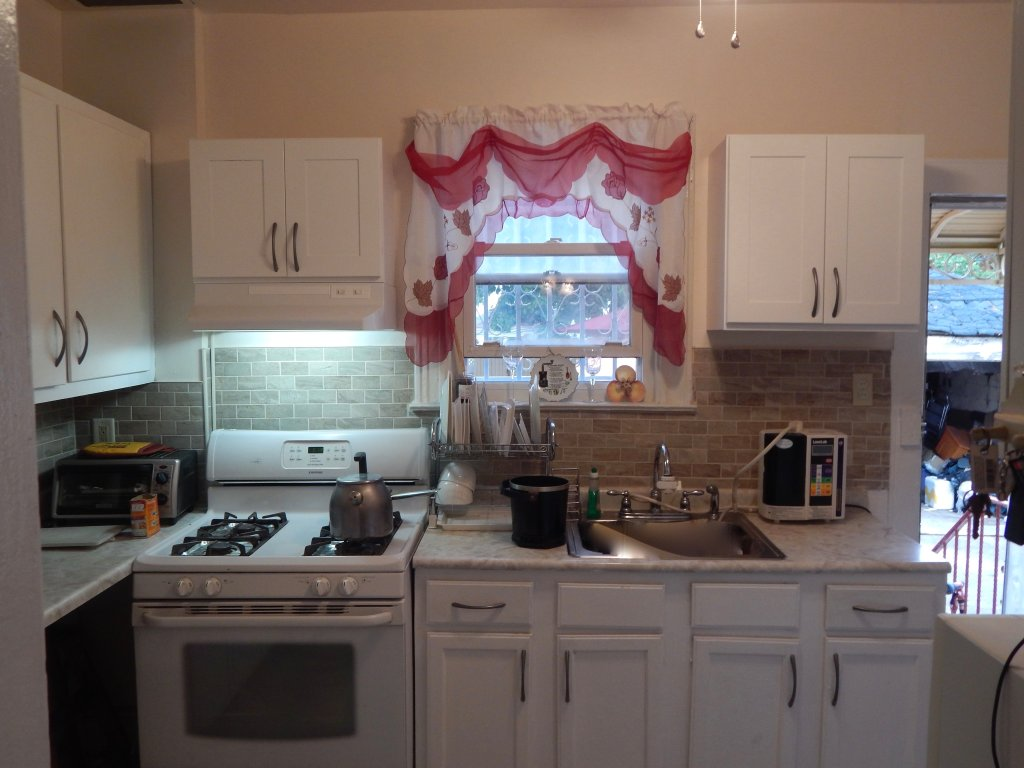 albany ave 3 bedroom apt in farragut at corley realty group crg3194