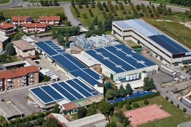 fotografie azienda con tetto fotovoltaico