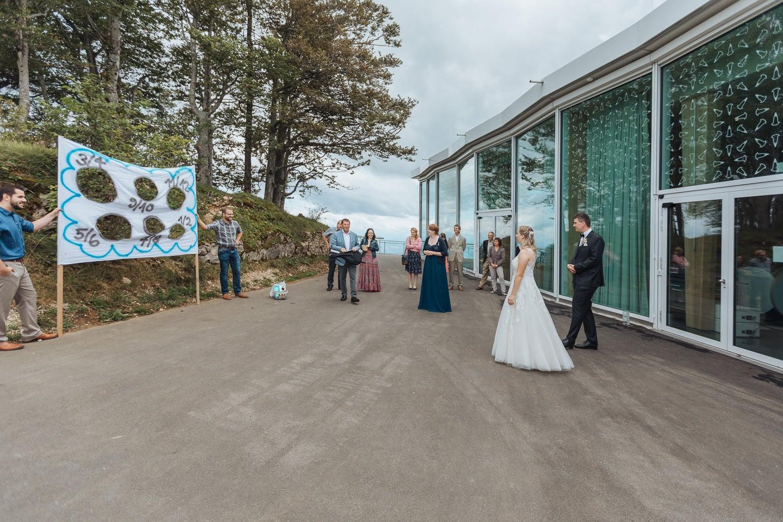 Spiele Hochzeit Brautpaar outdoor