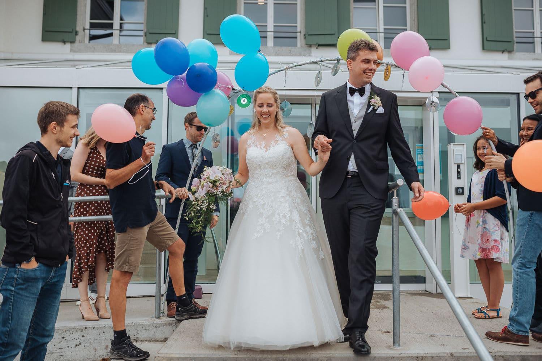 Spalier Auszug Brautpaar Ballons
