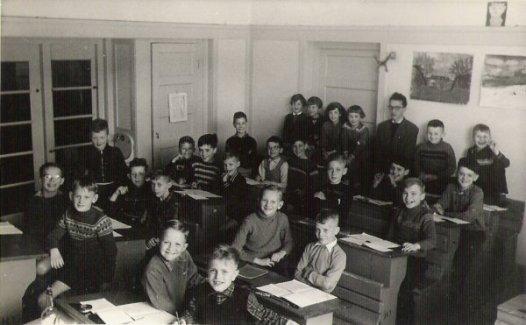 Als onderwijzer aan de ir. Lelyschool op de Ketelstraat in Den Haag, ±1958.