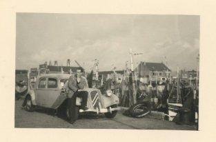 'Onze auto'. Augustus 1956, Zeebrugge.
