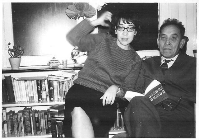 Loes met haar vader Piet Cornets de Groot, ±1970