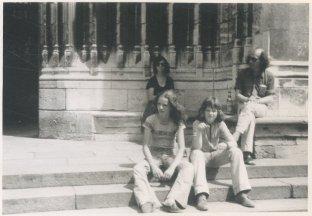 "Vakantie in de Dordogne, juli 1974. ""Bordeaux. Hoe warm was 't op de trappen van de St. Michel"""