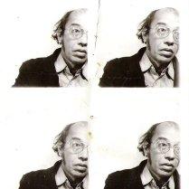 Pasfoto's. Zie 'Liefde, wat heet!', hoofdstuk 3, 'Polaroid'.