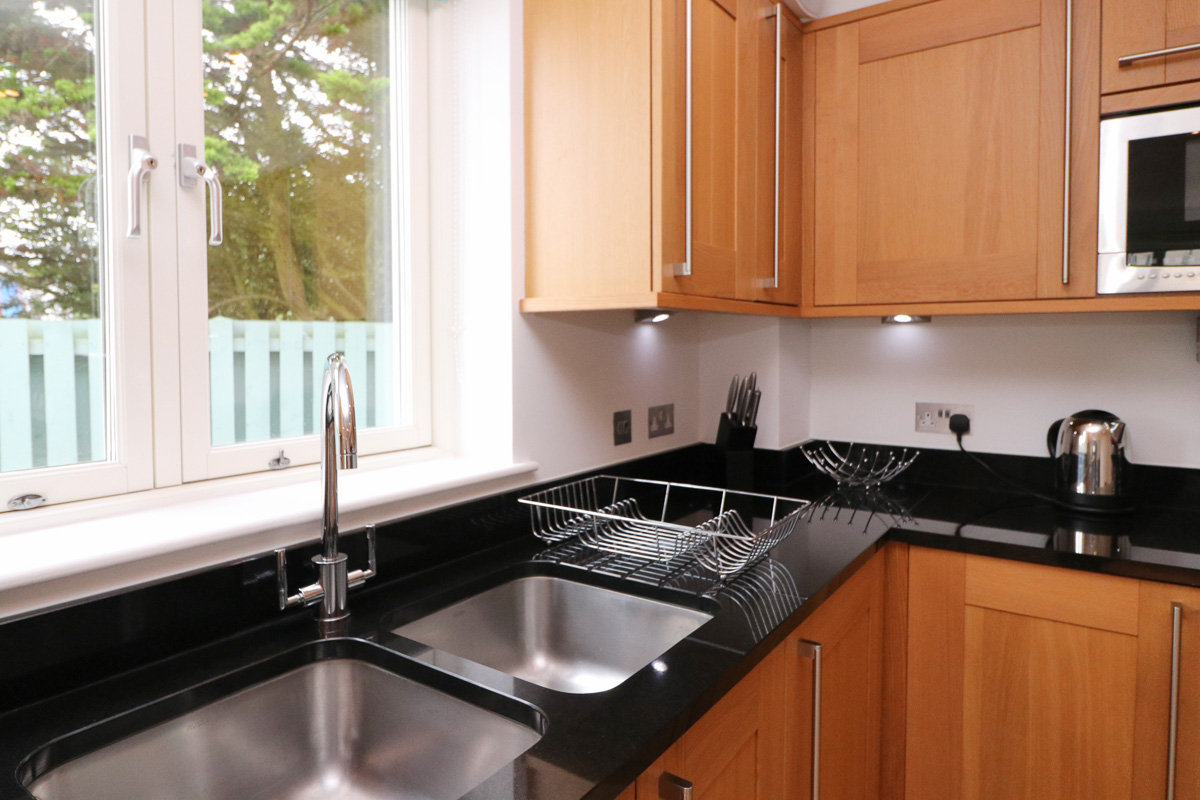 Doyden holiday apartment Cornwall kitchen
