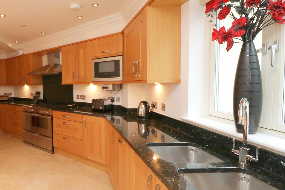 Gulland Ocean Blue holiday apartment kitchen work surfaces