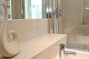 Pendarves Ocean Blue holiday apartment bathroom