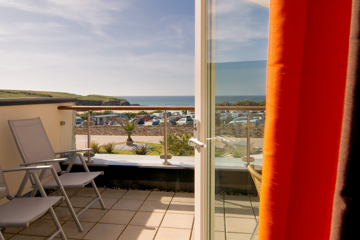 Porthcothan Ocean Blue Holiday apartment Cornwall sea views