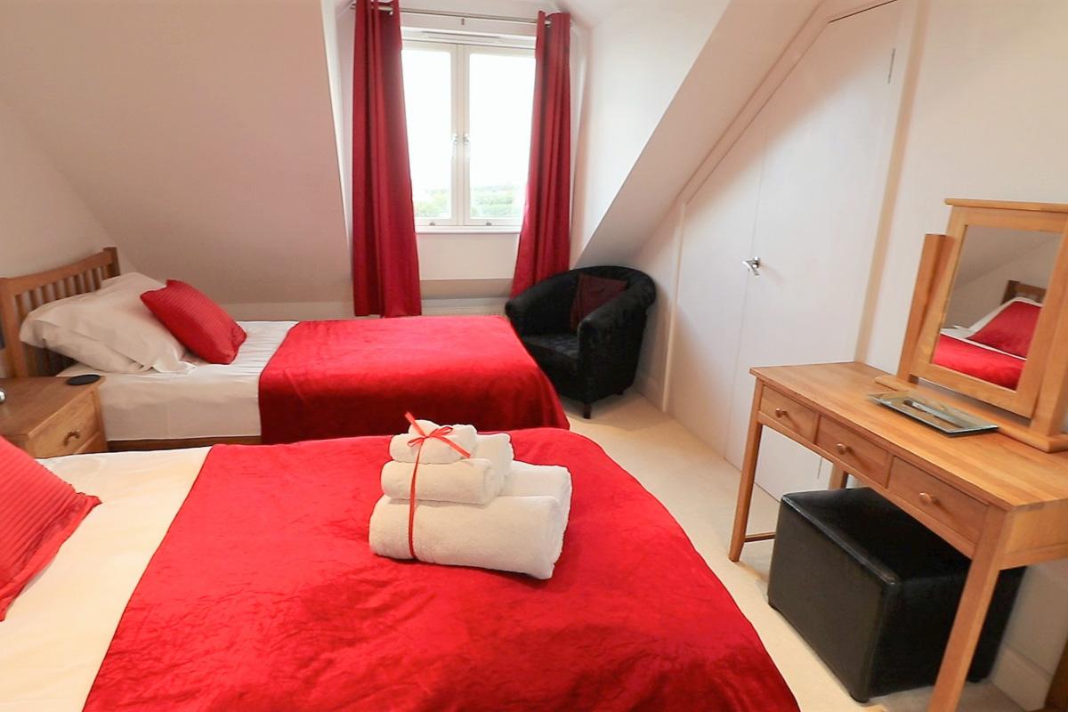 Trevose Ocean Blue Holiday apartment Cornwall twin bedroom