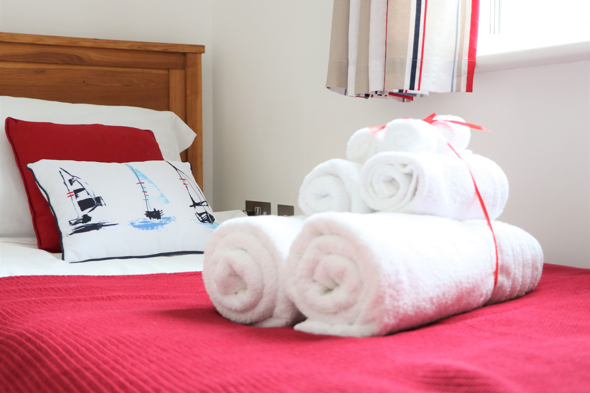 Bedruthan Holiday Cottage small bedroom