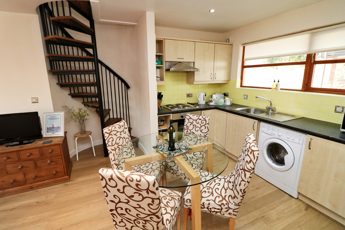 holiday cottage close to Padstow Cornwall kitchen