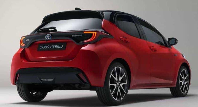 Novo Toyota Yaris → Veículo aparece antes do lançamento no Japão