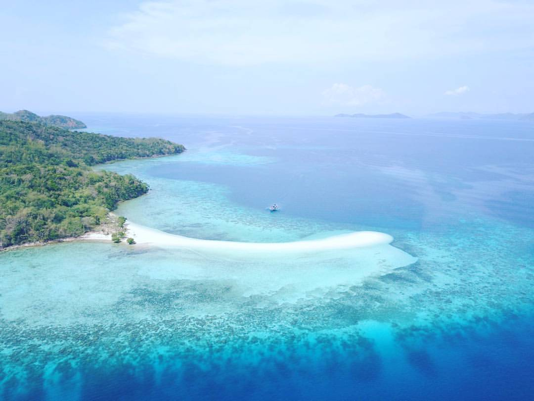Sand Bar in Palawan Viewed From The sky