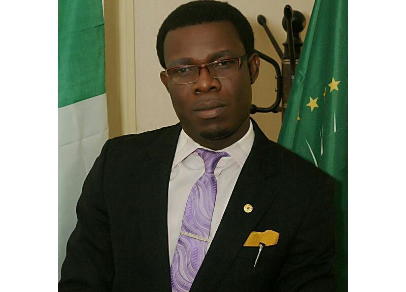 Dr Tunji Asaolu