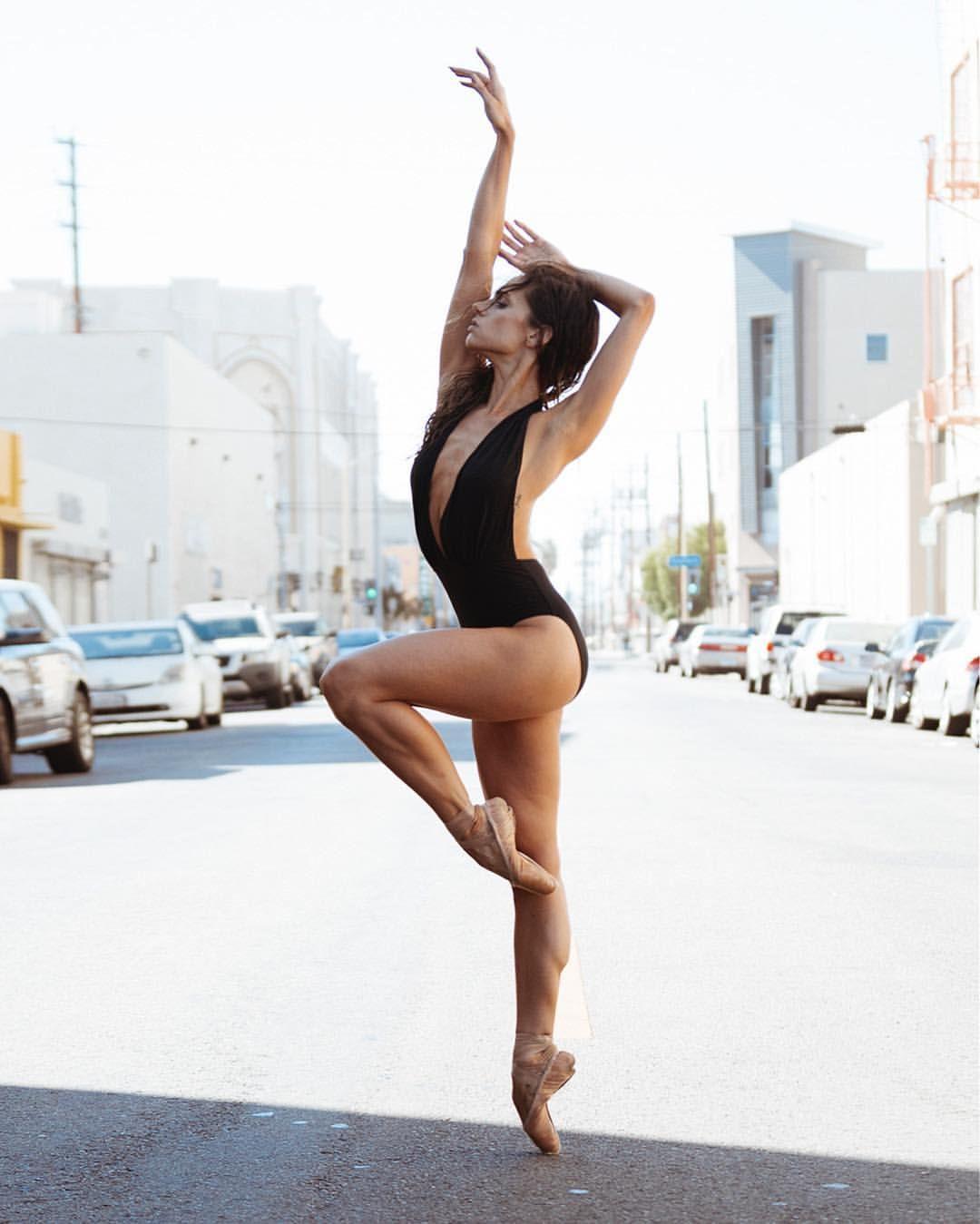 Mary Helen Bowers, fitness model