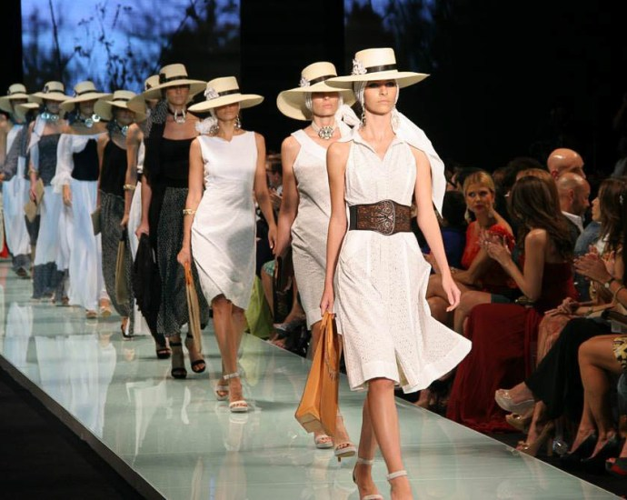 diventare modelli, fare la modella, sfilata di moda, moda donna, fashion week