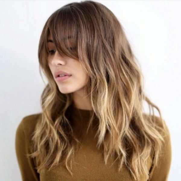 capelli lunghi, capelli medi, capelli donna, capelli con meches, haircuts women