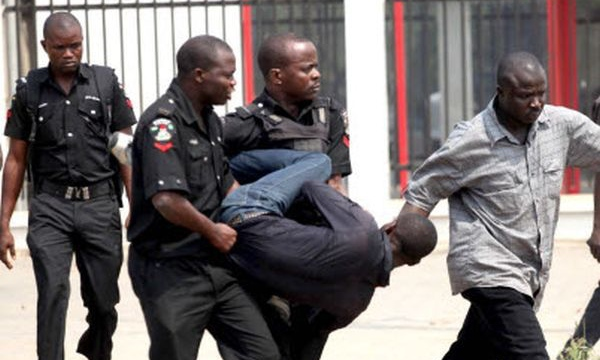 Abuja Man Entertains Friends With N12,000 Drinks, Tries To Run Away Without Paying (Details)