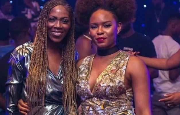 Tiwa Savage officially ends beef with Yemi Alade (SEE VIDEO)