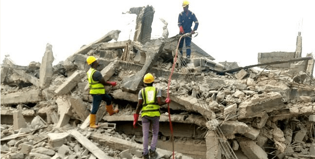 Three storey building collapses in Lagos, man trapped in the rubble (Pictures)