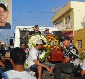 Surubim: sepultado jovem que morreu carbonizado em acidente de trânsito há quase três meses