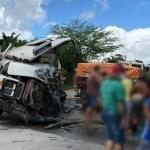 Surubim: acidente envolvendo caminhão e carreta deixa motorista ferido na PE-106