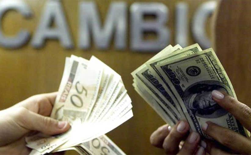 Dólar renova alta com valorização no exterior