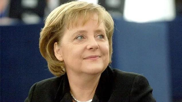 Em campanha eleitoral, Merkel quer destinar mais dinheiro para Defesa