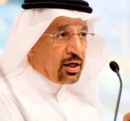 O ministro Khalid al-Falih, da Arábia Saudita, acredita ser necessário cortar ainda mais a produção mundial de petróleo