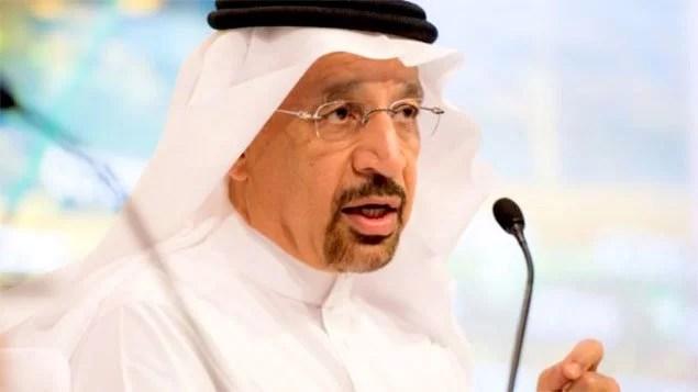 Ministro árabe prevê novos cortes na produção de petróleo