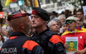 Espanha envia mais policiais para impedir referendo na Catalunha