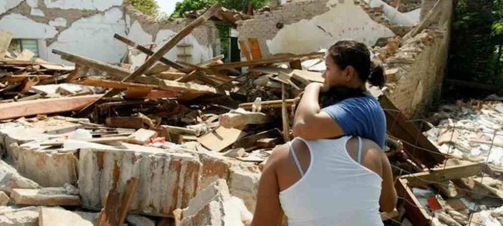 Forte terremoto deixa mais de 100 mortos no México